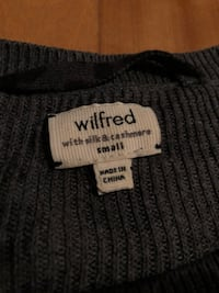 Wilfred oversized light sweater (small) can fit M Montreal, H1S