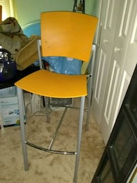 steel and durable plastic bar stools by coalesce $75 each excellent pr Alexandria, 22306