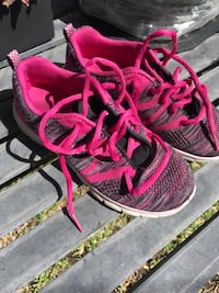 Girls kids sneakers shoes size 1 red pink Monrovia, 91016