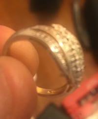 Women's ring real gold and diamonds or best offer