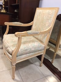 Accent Chair Beaconsfield, H9W 6A1