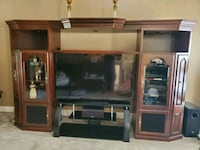entertainment center,  cherry. purchased freon Havertys. pristine cond Charlotte, 28277