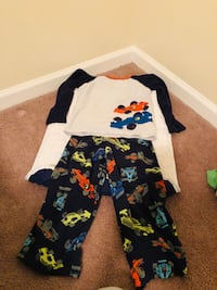 Toddler's sz 5 pajama set Oshkosh  620 mi