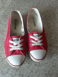 pair of red Converse low-top sneakers Oakville, L6M 4M1