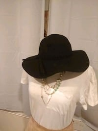 Elegant floppy ladies hat Houston, 77056
