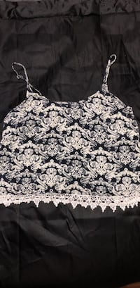 white and black floral spaghetti strap top Langley, V3A 3E4