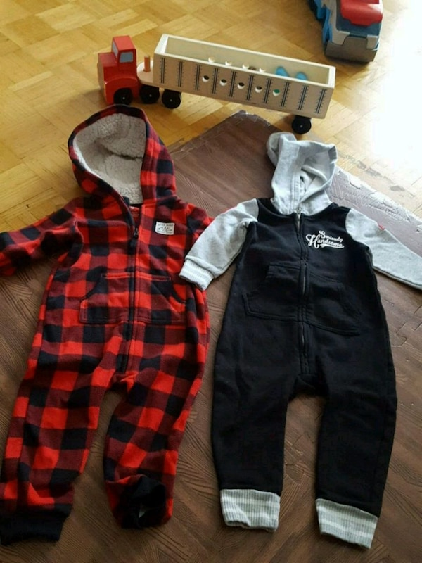 8pcs of onesie outfit