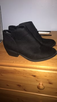 Size 8 George shoes, very good condition    Ancaster, L9K
