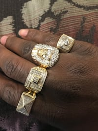 Package deal real solid gold and diamonds Toronto, M3L