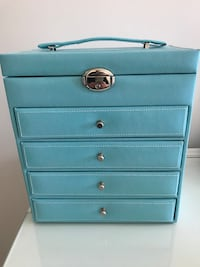 Jewelry box with 4 drawers