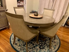 Gatsby Dining Set from Bob's Furniture