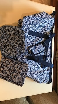 NEW... 3 piece Blue and White patterned travel bags Winchester, 22602
