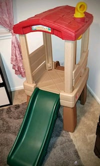 Step 2 Lookout Treehouse and Slide for Toddlers
