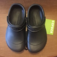 CROCS Black Clogs Size M6 - W8 Woodbridge