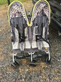 baby's black and gray twin stroller Martinsburg, 25403