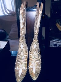 Gold and white soft leather cowgirl boots Nashville, 37206