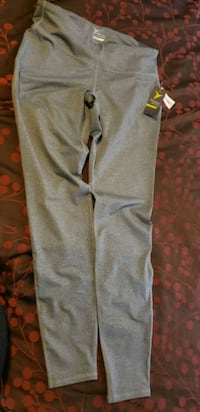 gray old navy new activewear pants Large East Palo Alto, 94303
