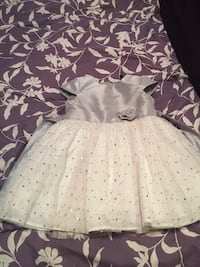 Kids dress size 4 wore once Pickering, L1V 1B8