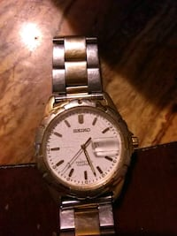 round white and gold-colored Seiko analog watch with link strap Fort Smith, 72901