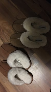 2 pairs of brown slippers Rochester, 98579
