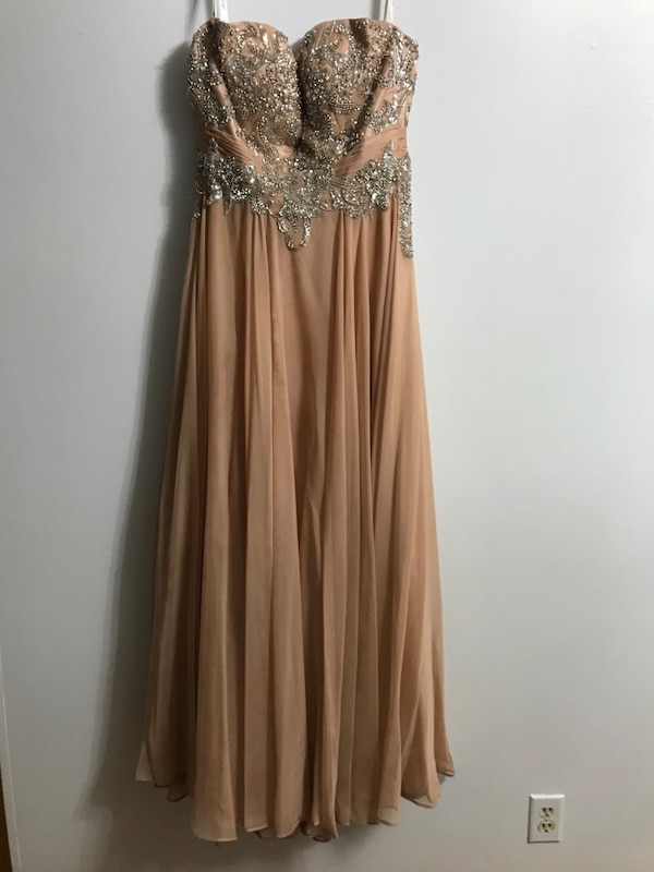 Coral/pink Prom dress