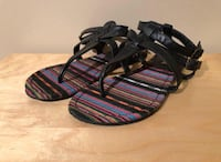 Black-and-pink leather sandals Toronto, M6S 3N4