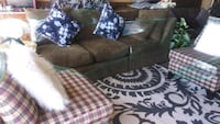 living Room Set Clean Good Condition couch 2 Chairs Round Side table Las Vegas, 89121