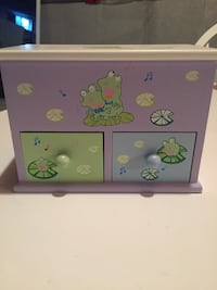 pink and green wooden 3-drawer chest Whitby, L1N 1W4