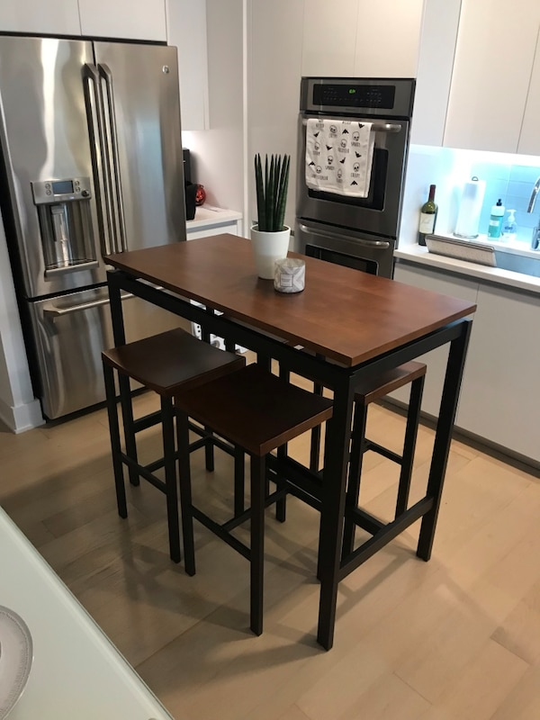 5 Piece Pub Table Set Only 3 Months Old Above Counter Top Height