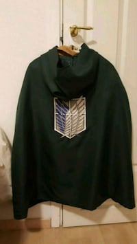 Attack on titan cosplay jakke og kappe medium  Asker, 1383