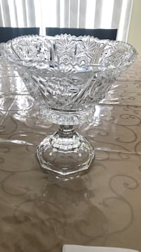 clear cut glass footed bowl Vaughan, L4L 7N8
