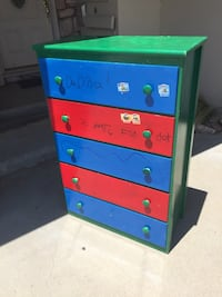 Dresser that need to be repainted  Salinas, 93901