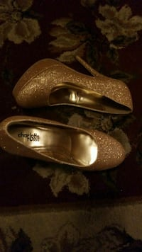 Gold Glittery used once only size 8