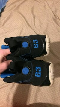 Photo blue retro 9s  Oklahoma City, 73108