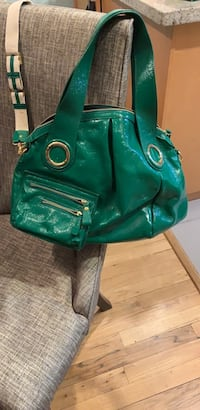 Gaya patent leather purse Vancouver, V5K 2L3