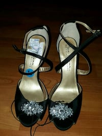 Size 10 shoes Bakersfield, 93309