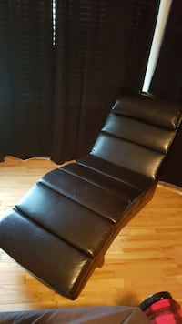 black leather chaise lounge