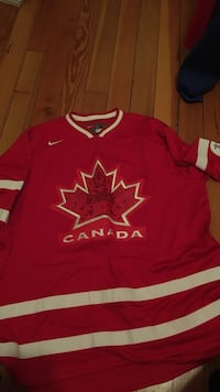 Red and white canada nhl jersey