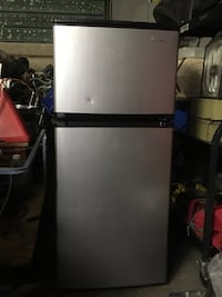 Stainless steel Fridge (Like new, was barely used and was sitting in storage ) Morinville, T8R 1G2