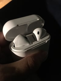 White apple earpods with box Burnaby, V5H