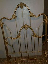 Twin wrought iron bed Pittsburgh, 15216