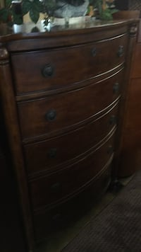 brown wooden 4-drawer chest Front Royal, 22630