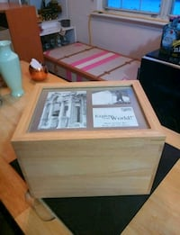 Wooden box picture holder