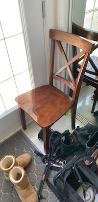 Wooden table and 4 chairs Candiac, J5R 5R4