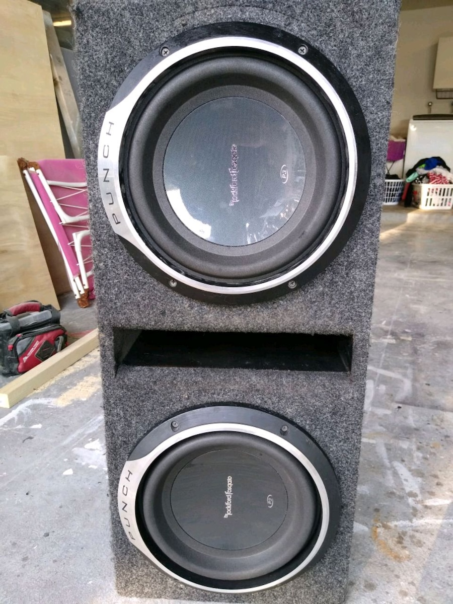 Photo Rockford fosgate p3 10 subwoofers with ported box