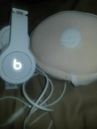 gray Beats by DR. dre corded headphones with case