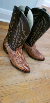New Python Boots Forest Hill, 21050