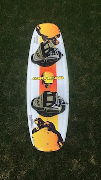 124 cm Airhead wakeboard brand new used once Edmonton, T5T 6X7