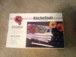 Deluxe knife set and cutting board
