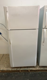 Kenmore top freezer fridge  Toronto, M6H 4C8